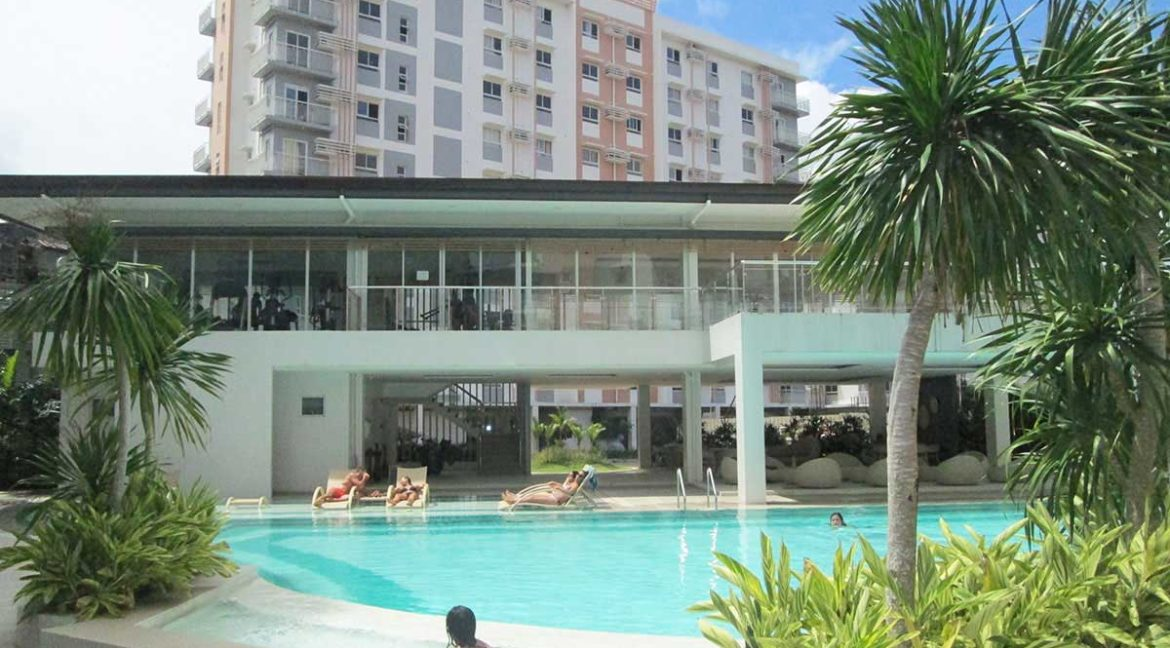 Mivesa-garden-residences-swimming-pool