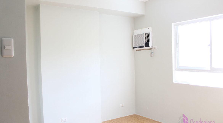 Stu_condonians_room-1200x800