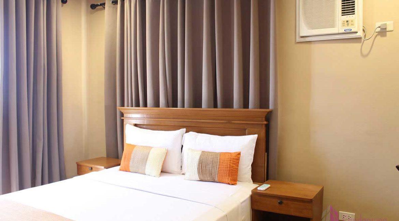condotel-cebu-2br-apas-bed3-1200x800