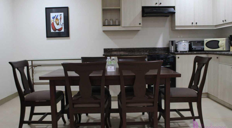 condotel-cebu-2br-apas-dining-1200x800