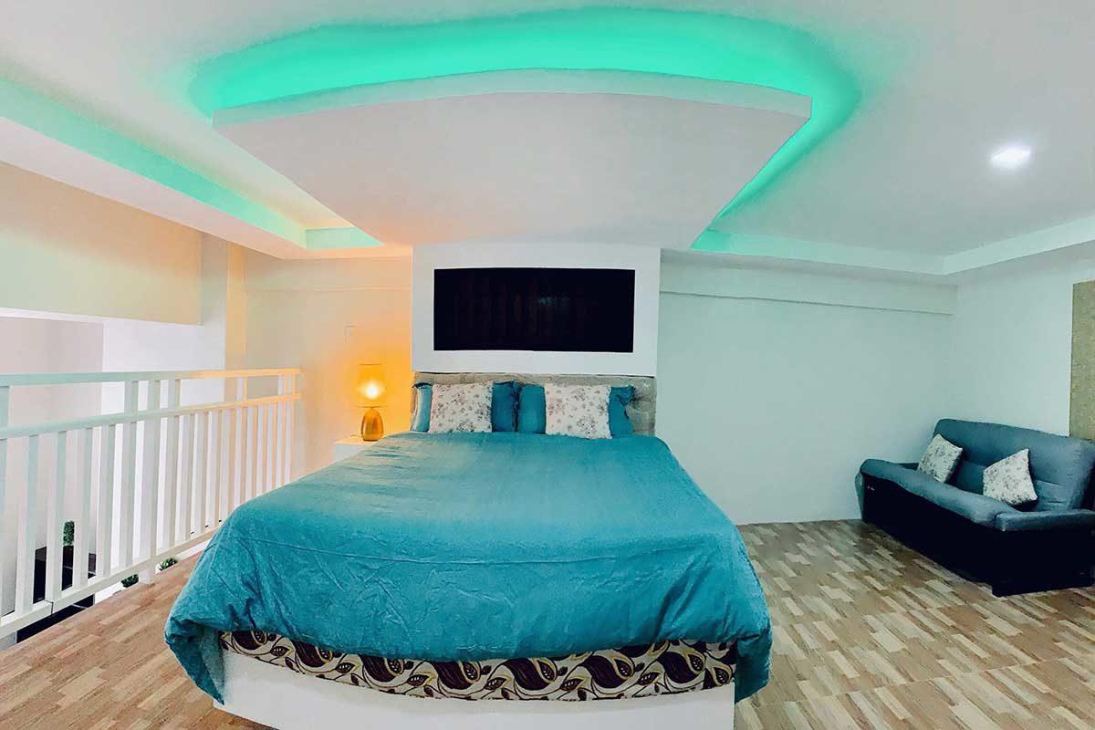 Loft Deluxe Room w/ Balcony