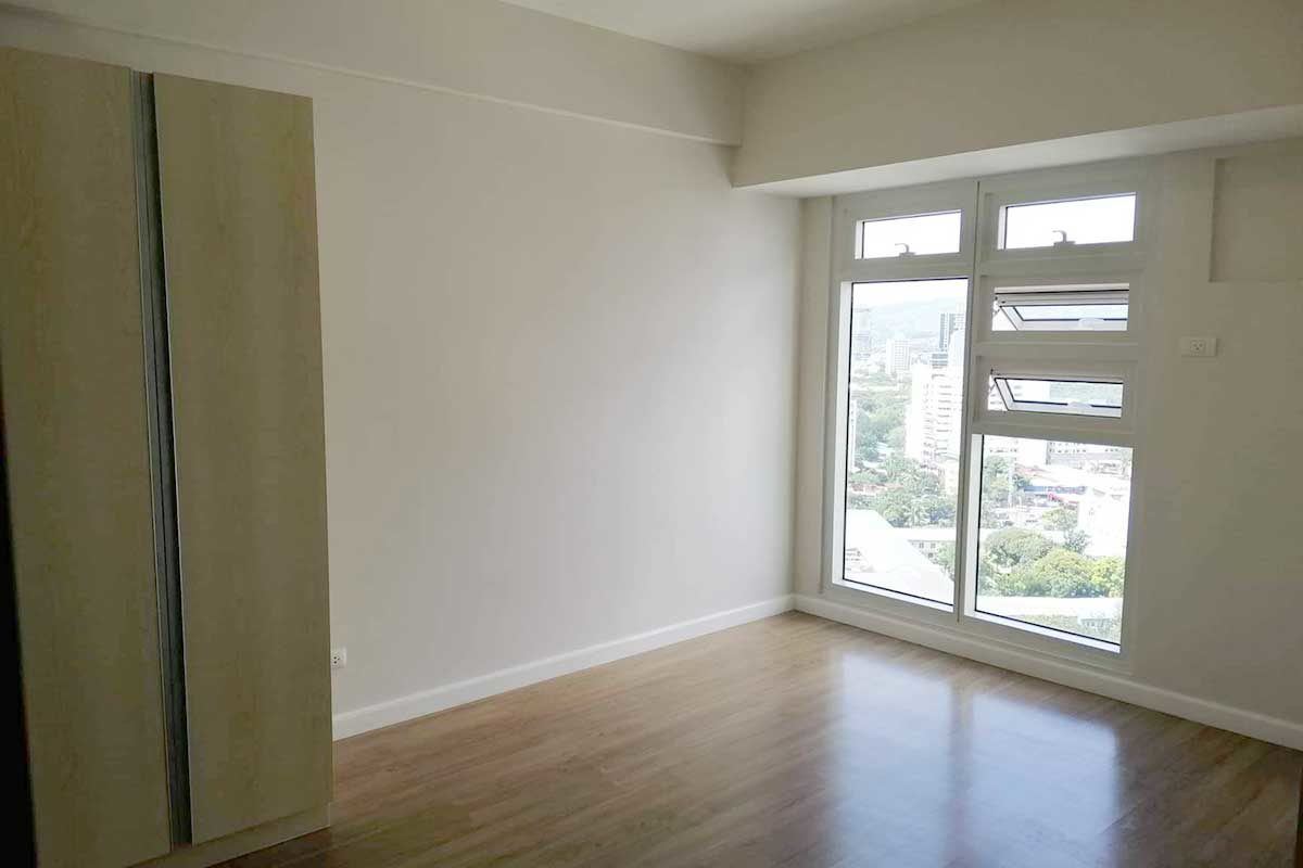 1BR Finish High-Floor at Solinea